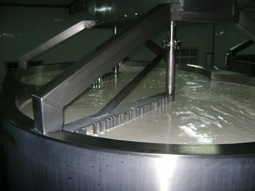 Fabricando un queso de 1 tonelada